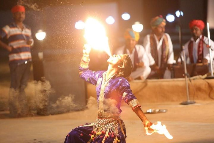 Dangri desert safari camp Fire Show